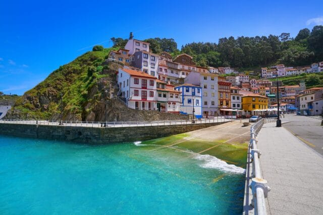 La Marina de Cudillero, visita imprescindible en la ruta de 7 días en coche por Asturias