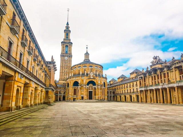 La Universidad Laboral, lugar imprescindible que ver en Gijón