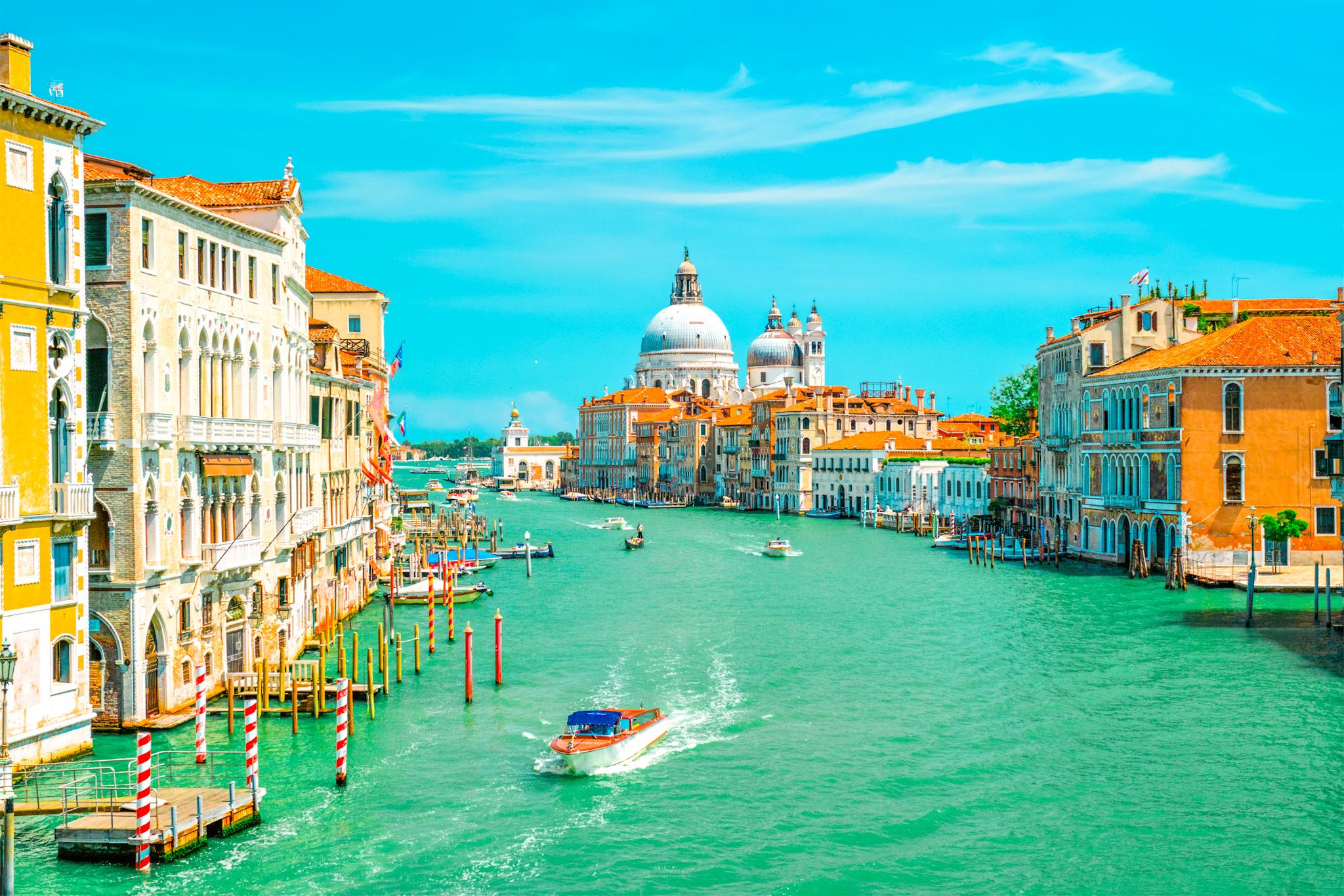 vista del Gran Candel de Venecia y la Iglesia de Santa Maria della Salute