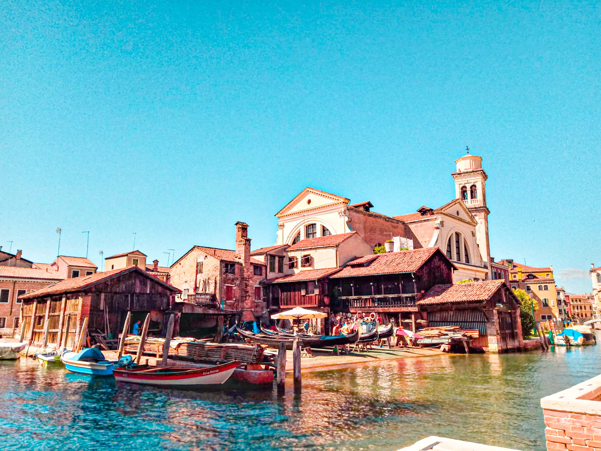 cosas que ver y hacer en venecia: taller de góndolas