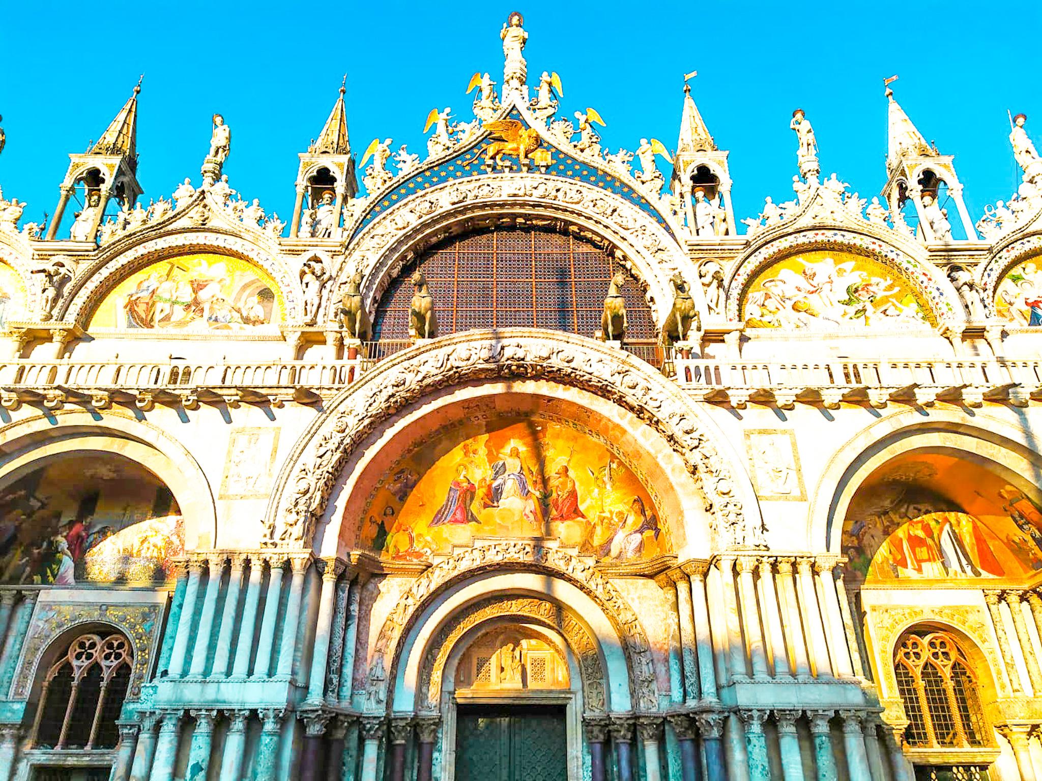 Cosas que ver y hacer en Venecia: fachada de la basílica de San Marcos