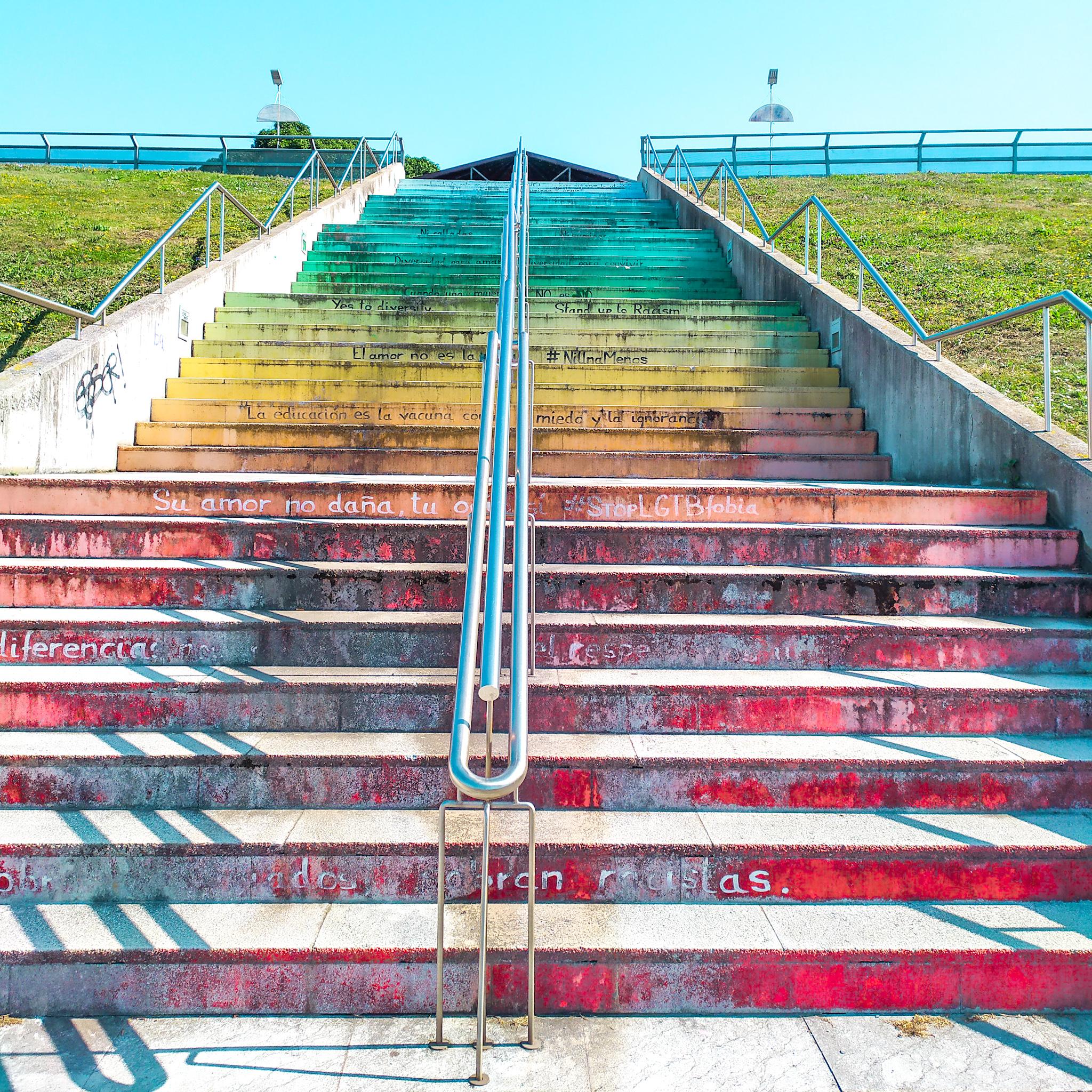 escaleras contra el maltrato, barrio de cimadeviila
