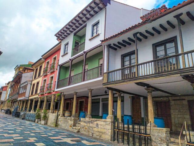 Calle típica del casco histórico de Avilés