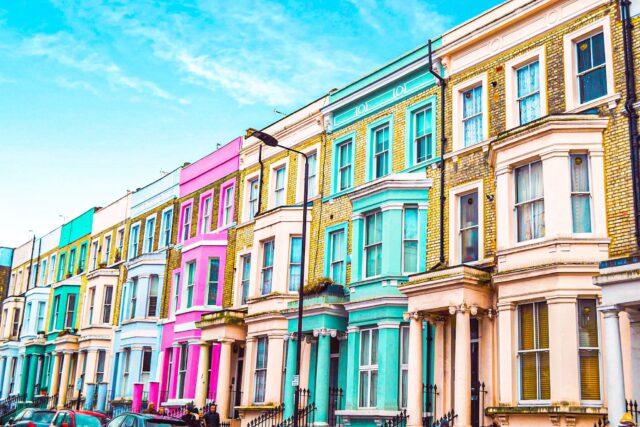 casas de colores del barrio de Notting Hill Londres