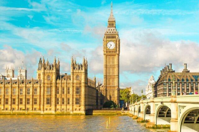 El Big Ben es el primero de los lugares imprescindibles que visitar en Londres