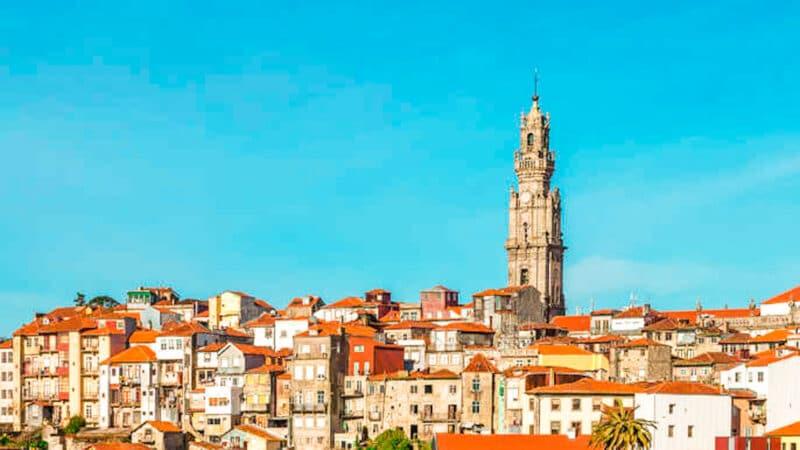 Qué ver en Oporto en 3 días: iglesia y torre de los Clérigos