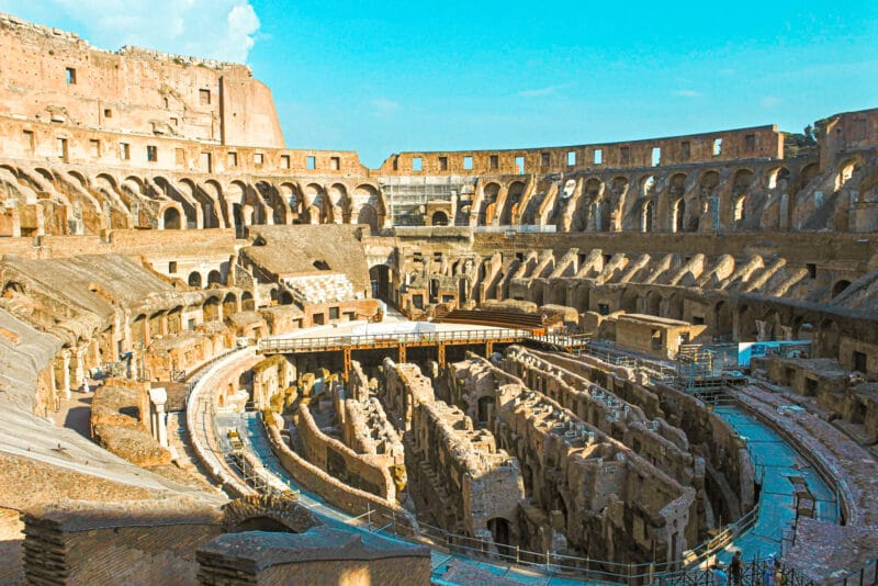 Vistas de la Arena y el interior del Coliseo de Roma