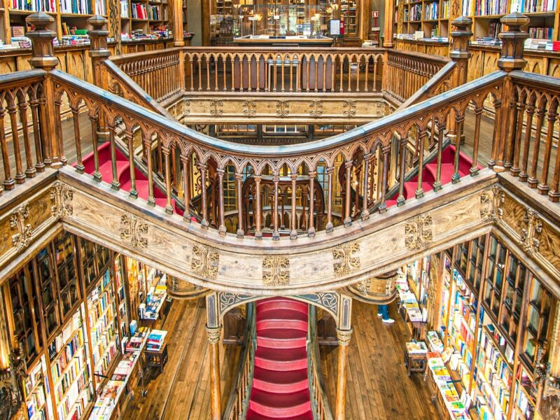 Lugares que visitar en Oporto imprescindibles: Librería Lello