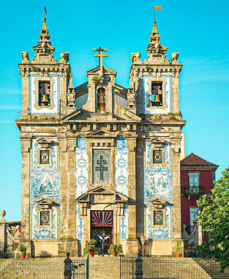 15 lugares que visitar en Oporto imprescindibles: iglesia San Ildefonso