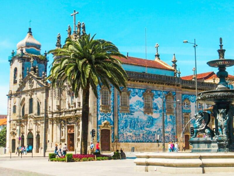 15 lugares  que visitar en Oporto imprescindibles: Iglesia do Carmo