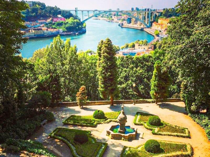15 lugares que visitar en oporto imprescindibles: jardines del Palacio de Cristal