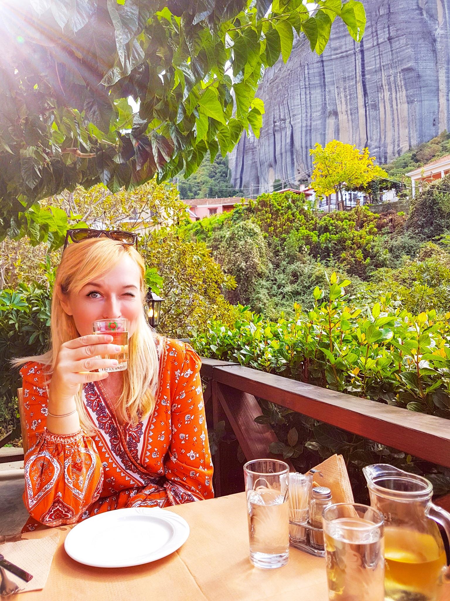Qué hacer en Meteora? vista de uno de los restaurantes recomendados
