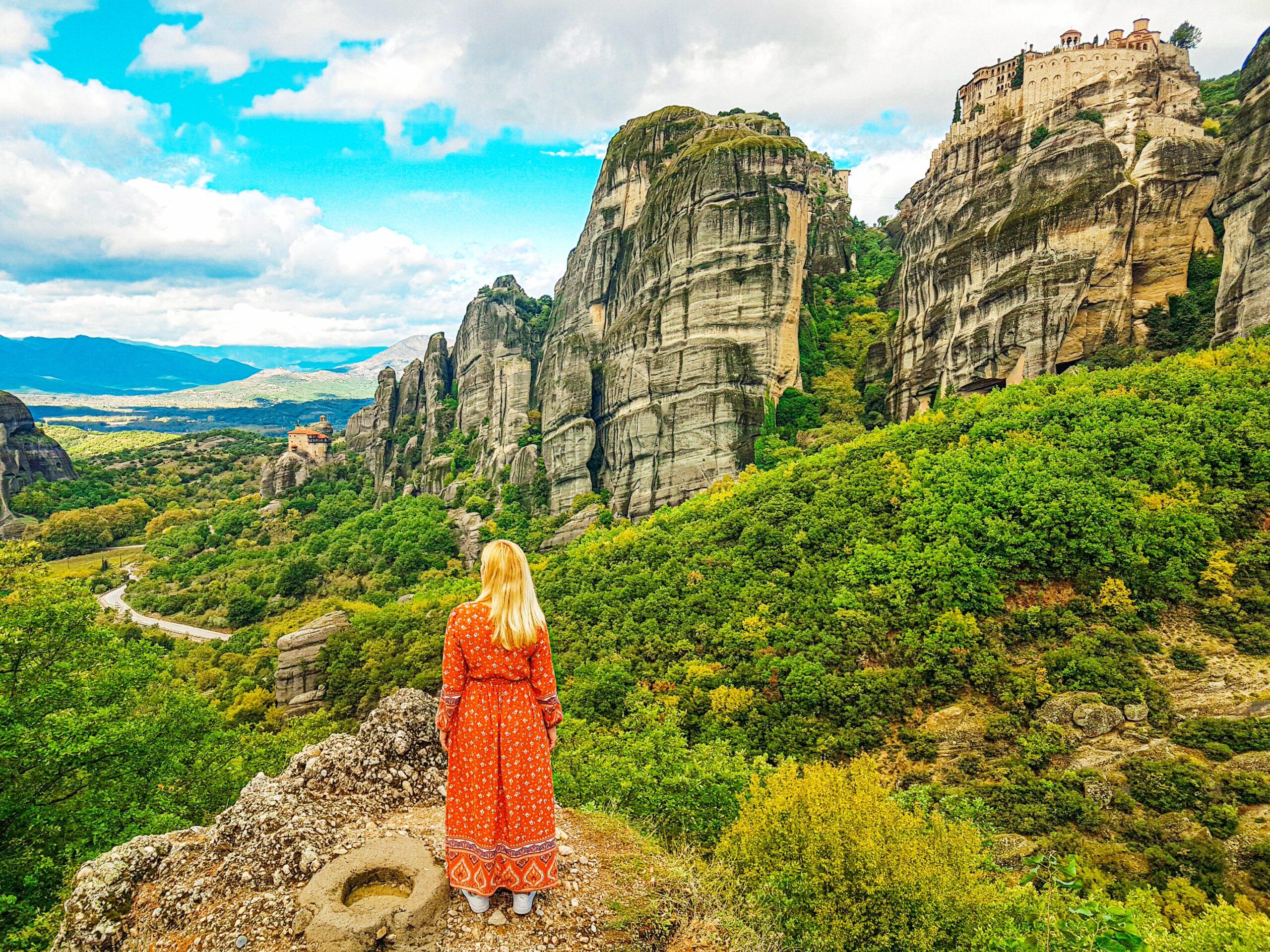 Vista desde el parking del monasterio Roussanou