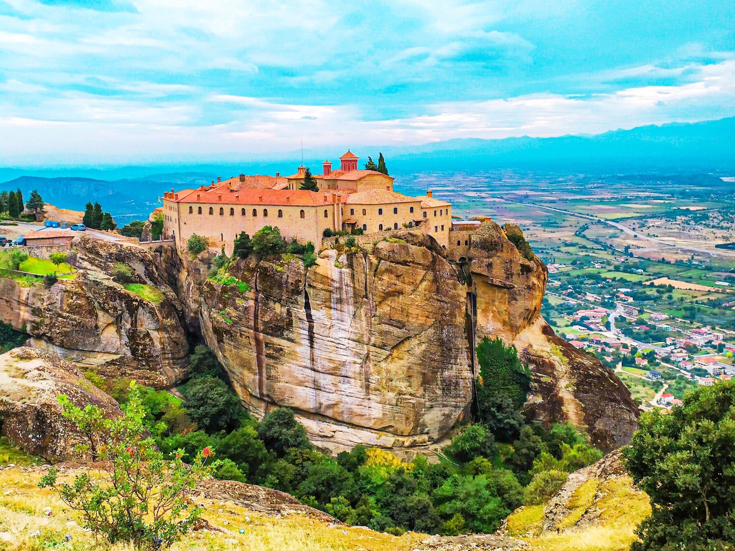 Qué hacer en Meteora? vista del monasterio de San esteban