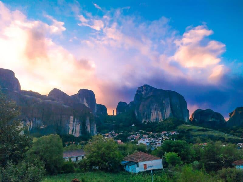 Qué ver en Meteora: amanecer en kastraki
