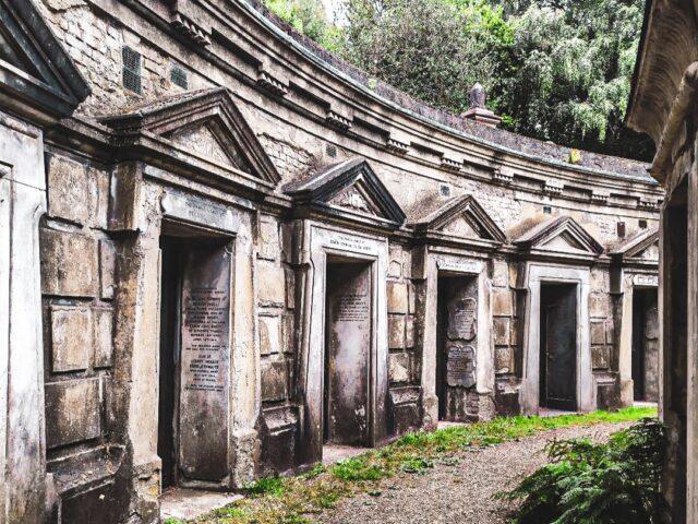Dónde celebrar halloween en Londres: mausoleos cementerio de highgate