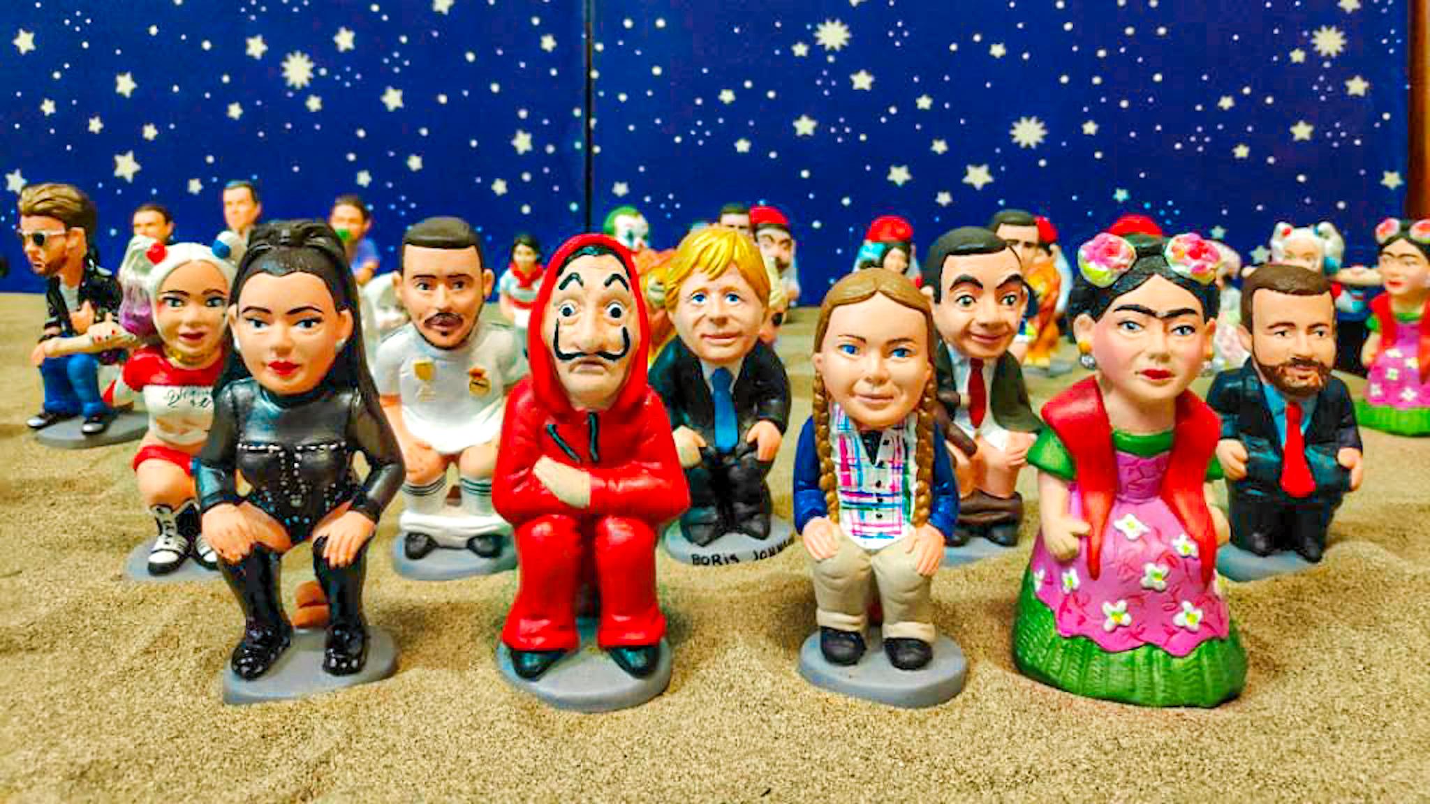 figuritas del caganer imitando personajes famosos