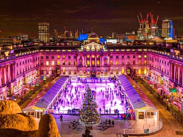 Pista de hielo Somerset house en Londres en navidad