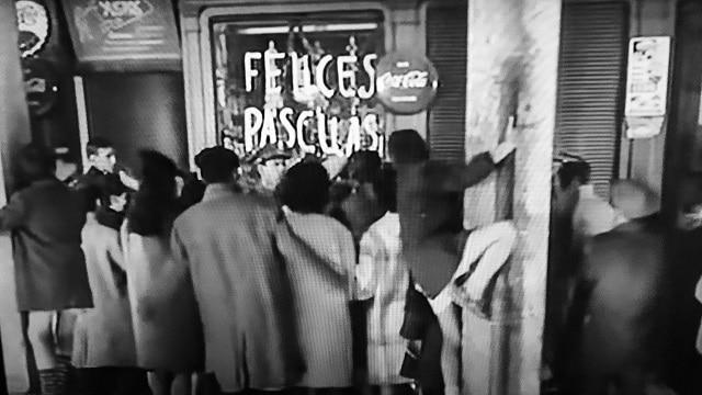 Escena de La Cesta, una de las mejores películas clásicas para ver en Navidad