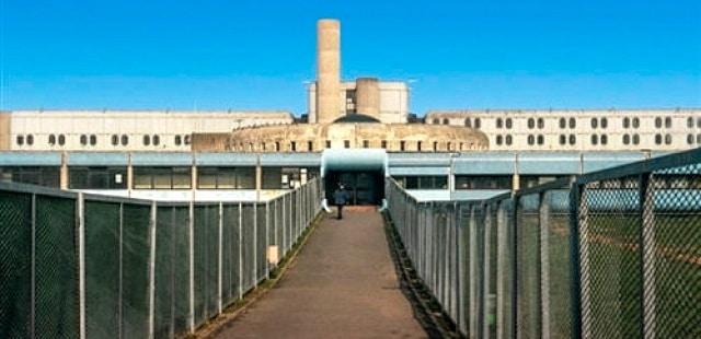 la la Maison d'arrêt de Bois-d'Arcy, localización de la cárcel en el capítulo 2 de LUPIN (Netflix)