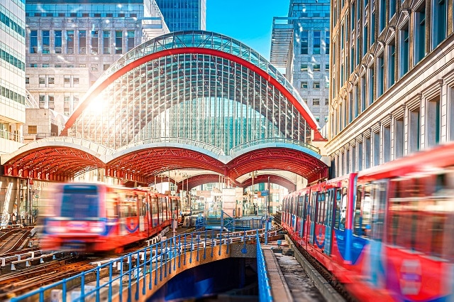 Estación de Canary Wharf y DLR para llegar a Greenwich