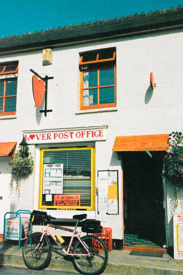 Antigua oficina de Correros de Lover (el pueblo más romántico del mundo)
