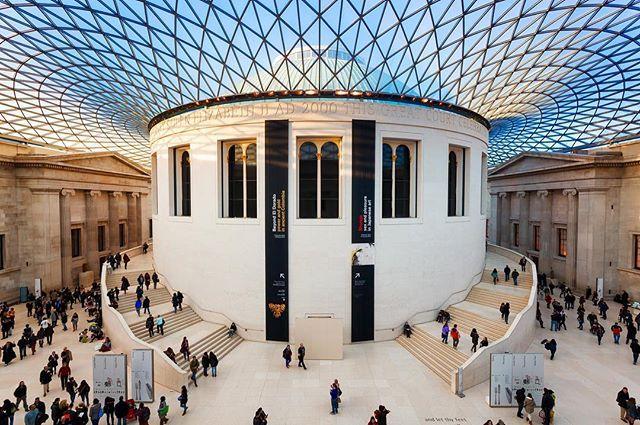 Hall del Museo Británico, parte de la visita virtual