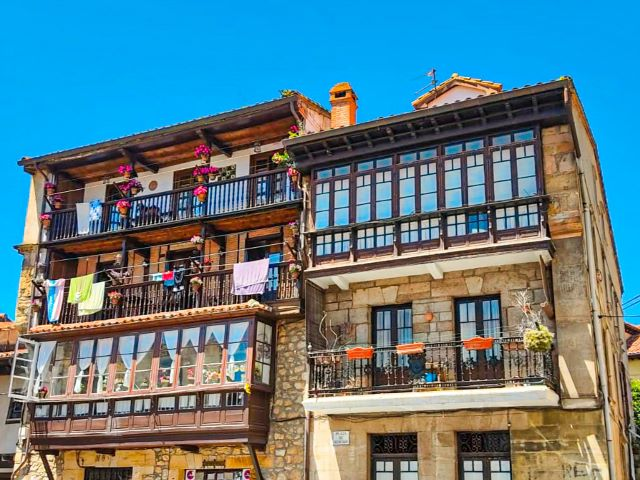 Casas típicas del casco histórico de Comillas