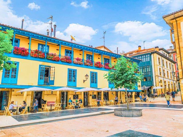 La Plaza del Fontán, lugar imperdible que ver en un día en Oviedo