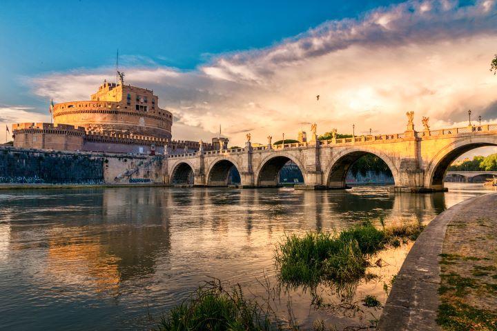 Vista del Castel San't Angelo desde el Tiber