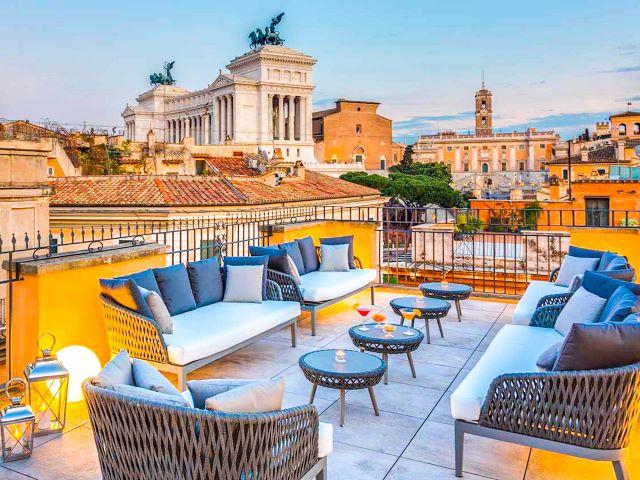 Vista panorámica del Vittoriano y la colina del Campidoglio desde la terraza del Hotel Otium