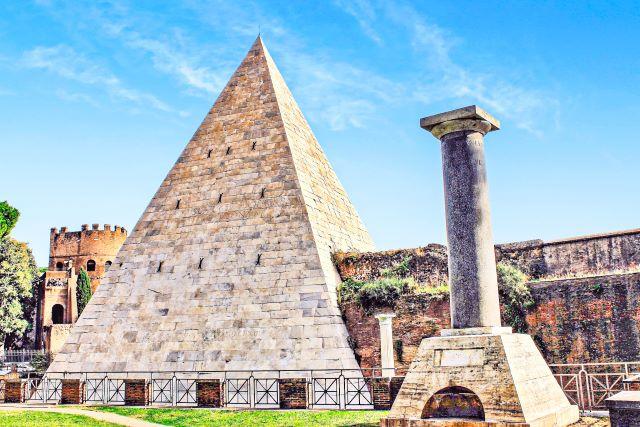 Lugares poco conocidos de Roma. La pirámide cestia