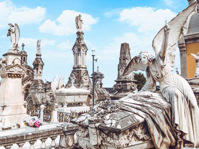 Monumentos funerarios del Cementerio de la Carriona