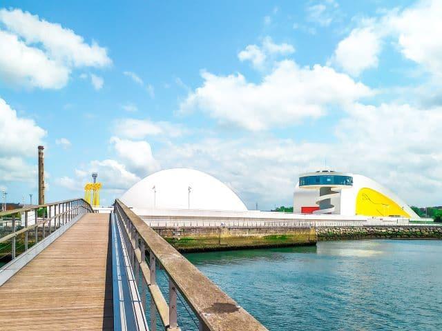 Centro Niemeyer, lugar imprescindible que ver en Avilés en un día