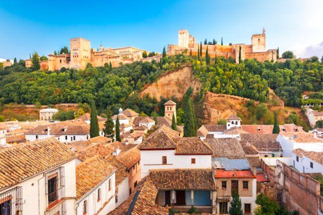 Vista aérea sobre Granada y la Alhambra