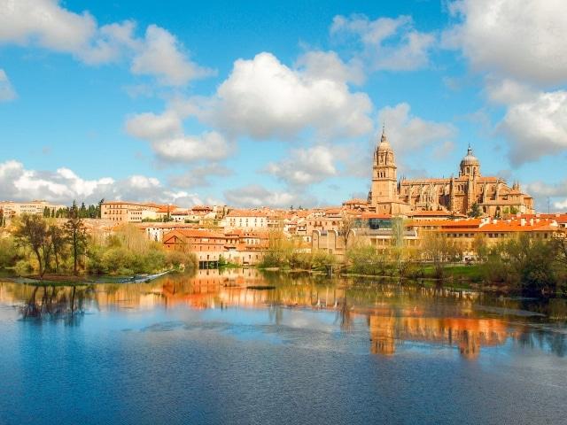 Vista panorámica de Salamanca y su catedral