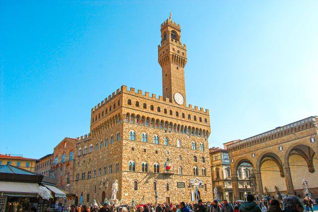 El Palazzo Vecchio en la Piazza della Signoria, lugares imprescindibles que ver en Florencia