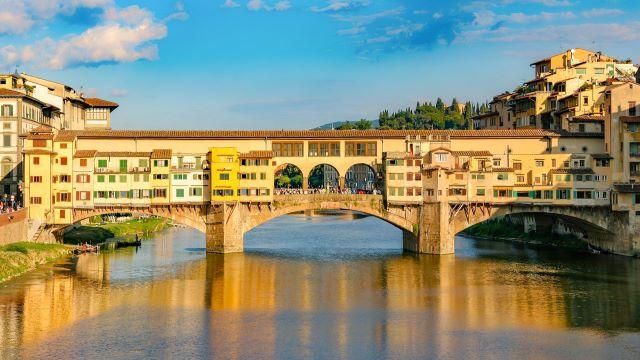 Il Ponte Vecchio, uno de los lugares imperdibles que ver en Florencia