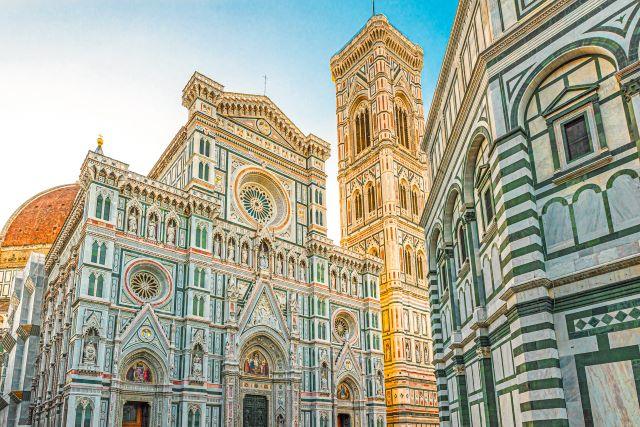 Qué ver en Florencia: fachada de la catedral, campanario y un lateral del baptisterio