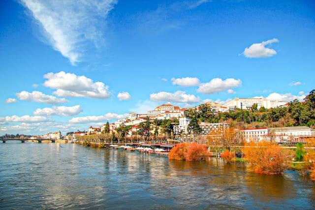 Panorámica de Coimbra, una de las mejores excursiones que hacer en los alrededores de Oporto