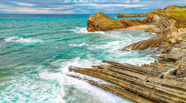 La costa quebrada, uno de los lugares imprescindibles que ver en Cantabria