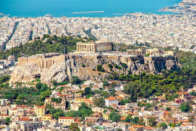 Vista panorámica de Atenas y la Acrópolis