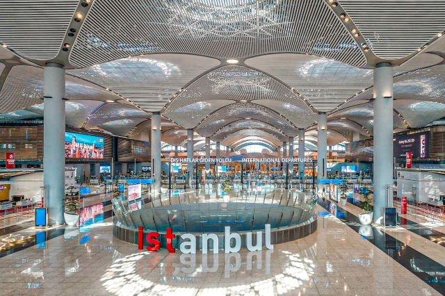 Cómo ir del Nuevo Aeropuerto de Estambul al centro de la ciudad: hall principal