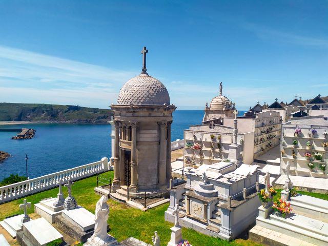 El cementerio, uno de los lugares imprescindibles que ver en Luarca en un día