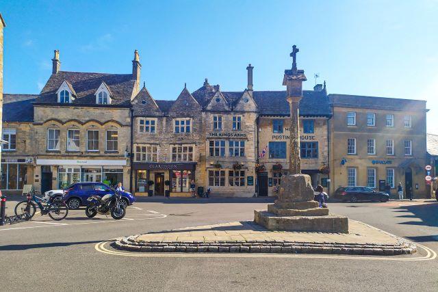 Plaza principal de Stow-on-the-Wold, uno de los pueblos más bonitos qué ver en los Cotswolds